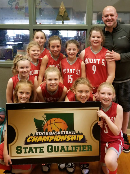 Our 4th grade Girls ETL Team qualified for the Washington State Basketball Tournament with their finish in the Hardwood Jam tournament hosted at Mount Si in November.